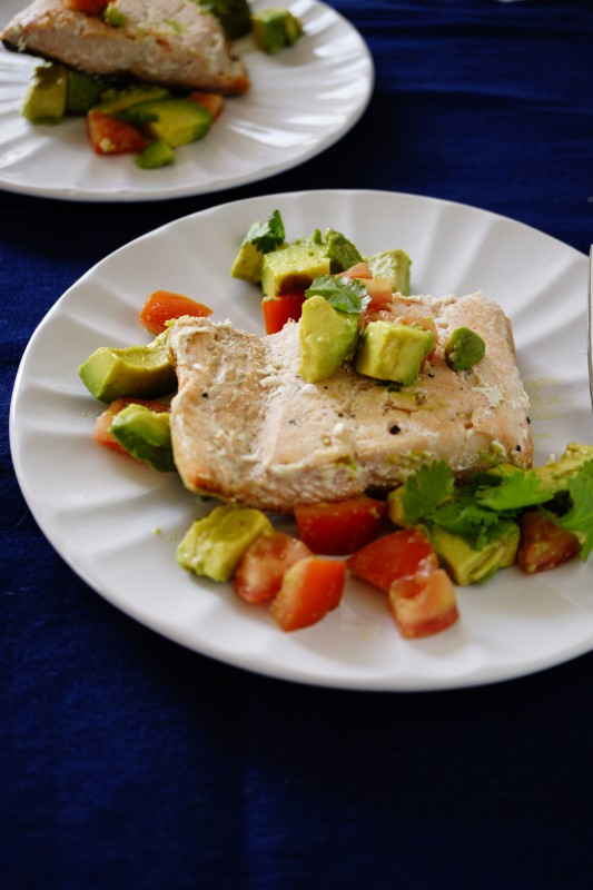 This meal is oozing with so many nutrients an healthy fat. Omega 3 from salmon and healthy fat from avocado. It is also very easy to make. Try it