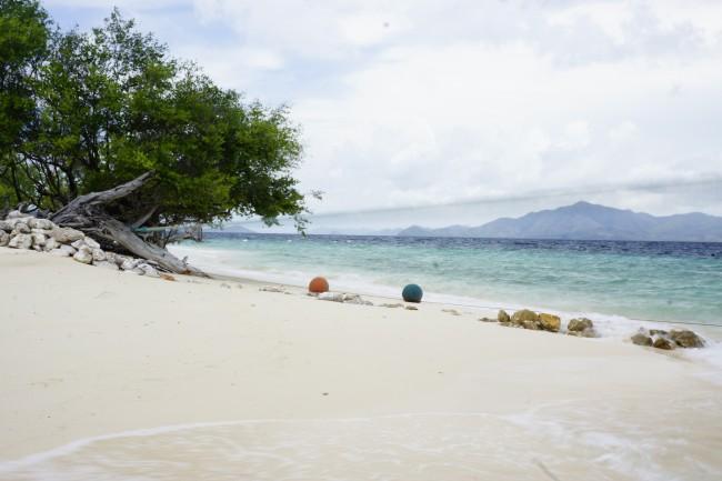 Kayaking in Beach 91 Coron, Palawan