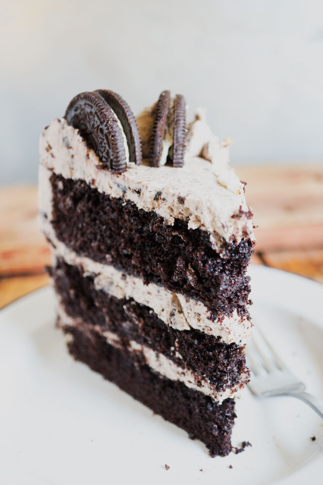 This Oreo Cake may look super intimidating to make, but really it's so easy...