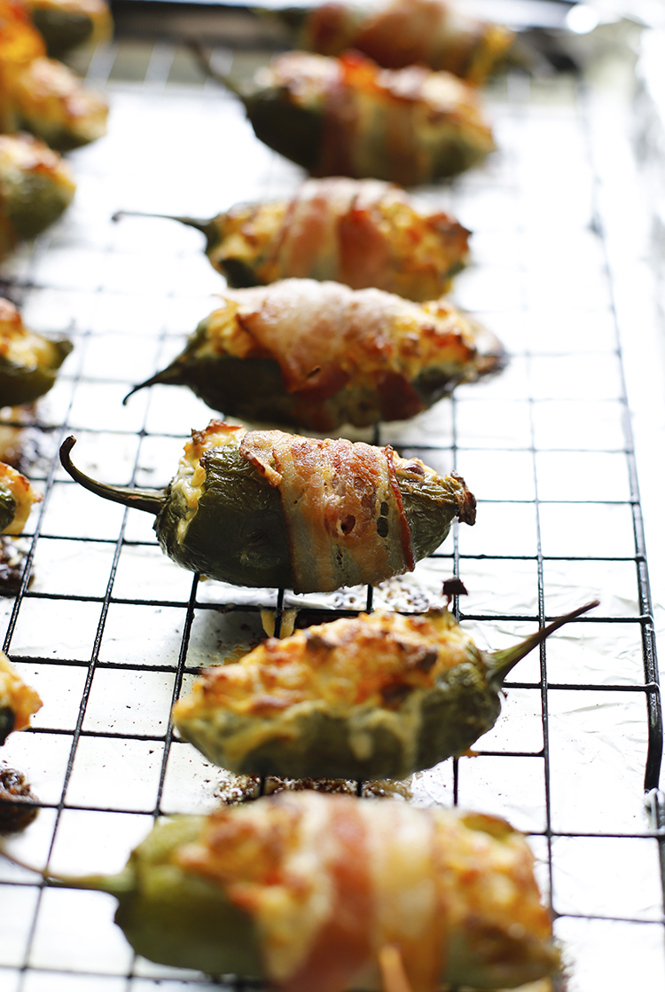 SIMPLE,LESS THAT 5 INGREDIENT JALAPENO POPPER