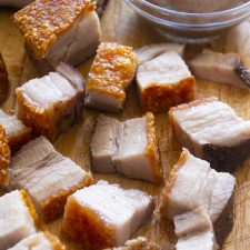 CHINESE PORK BELLY WITH BEST CRACKLES OF CRISPNESS. Juicy meat, best crisp roasted pork belly and delicious rub you can smother on the pork lean meat. This is the recipe you must try. This is just similar to the Chinese pork belly take out you can get. Check it out on the blog.