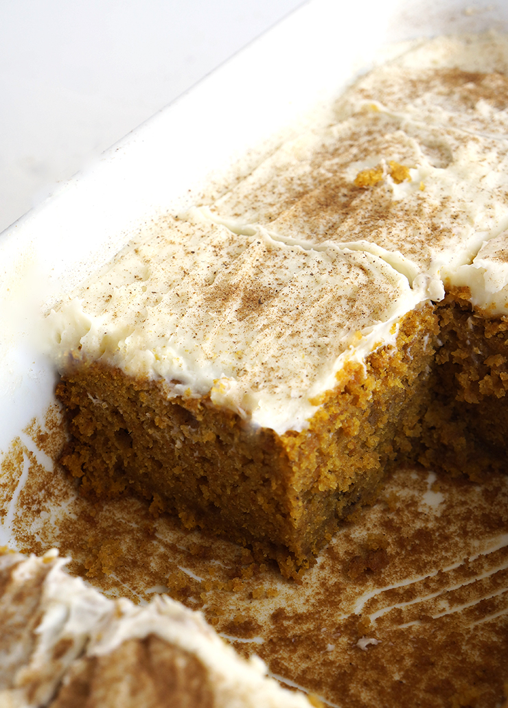 This pumpkin bars  with easy cream cheese frosting will make you a pumpkin fan if you are not yet. This pumpkin bars are very tasty moist, dense and delicious you can't stop with one serving. Topped with cream cheese frosting, now your fall dessert is ready.