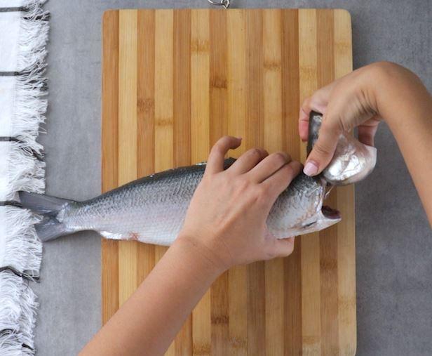 How to Debone Milkfish Instruction Bend Neck Part